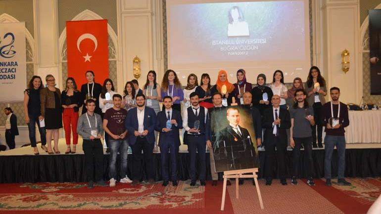 IU-Faculty-of-Pharmacy-student-Buğra-Özgün's-great-success