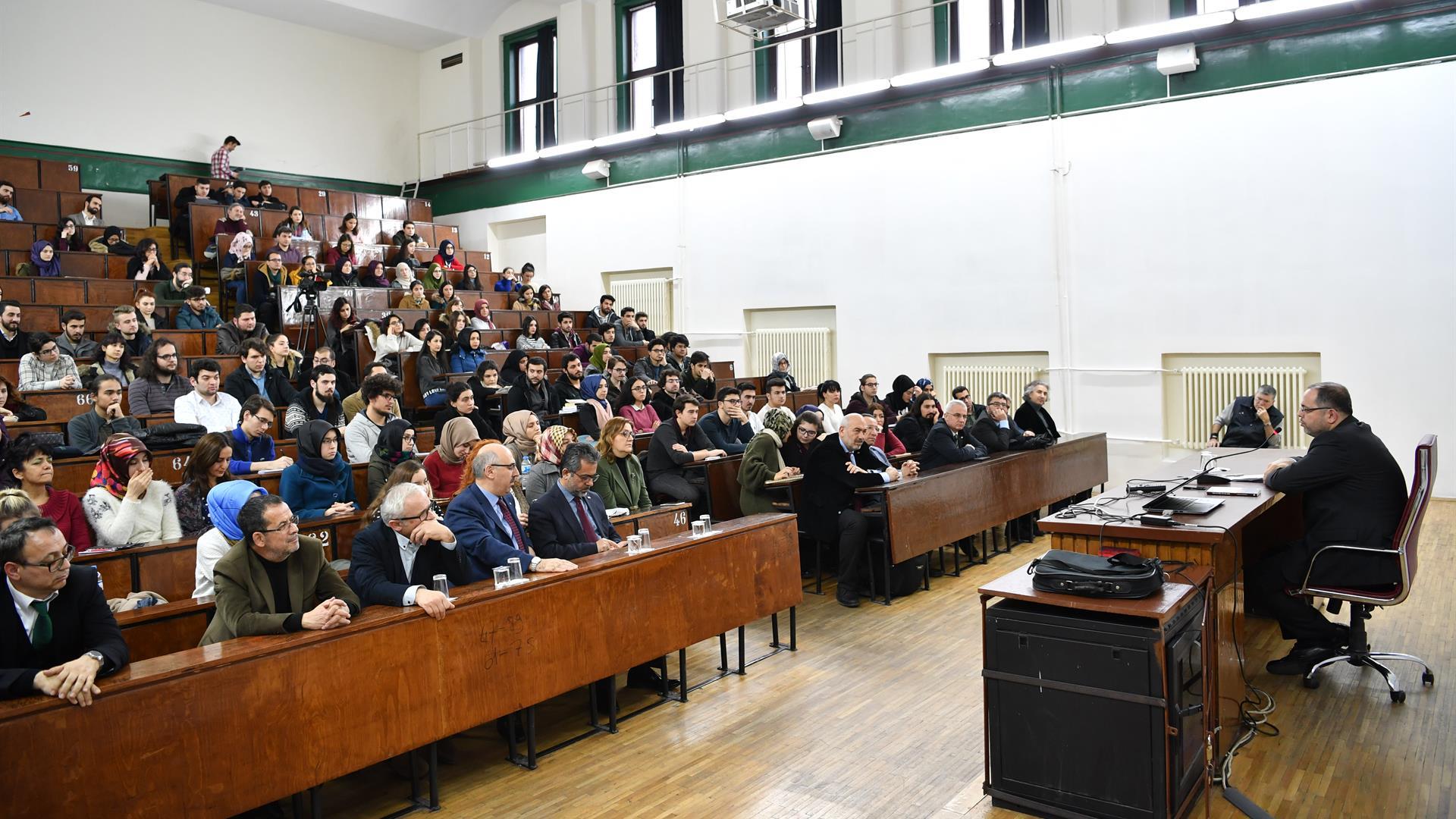 """İÜ-Edebiyat-Fakültesi-Konferansları'nın-10.'su-""""Antik-Çağdan-Günümüze-İstanbul""""-Teması-ile-Gerçekleştirildi"""