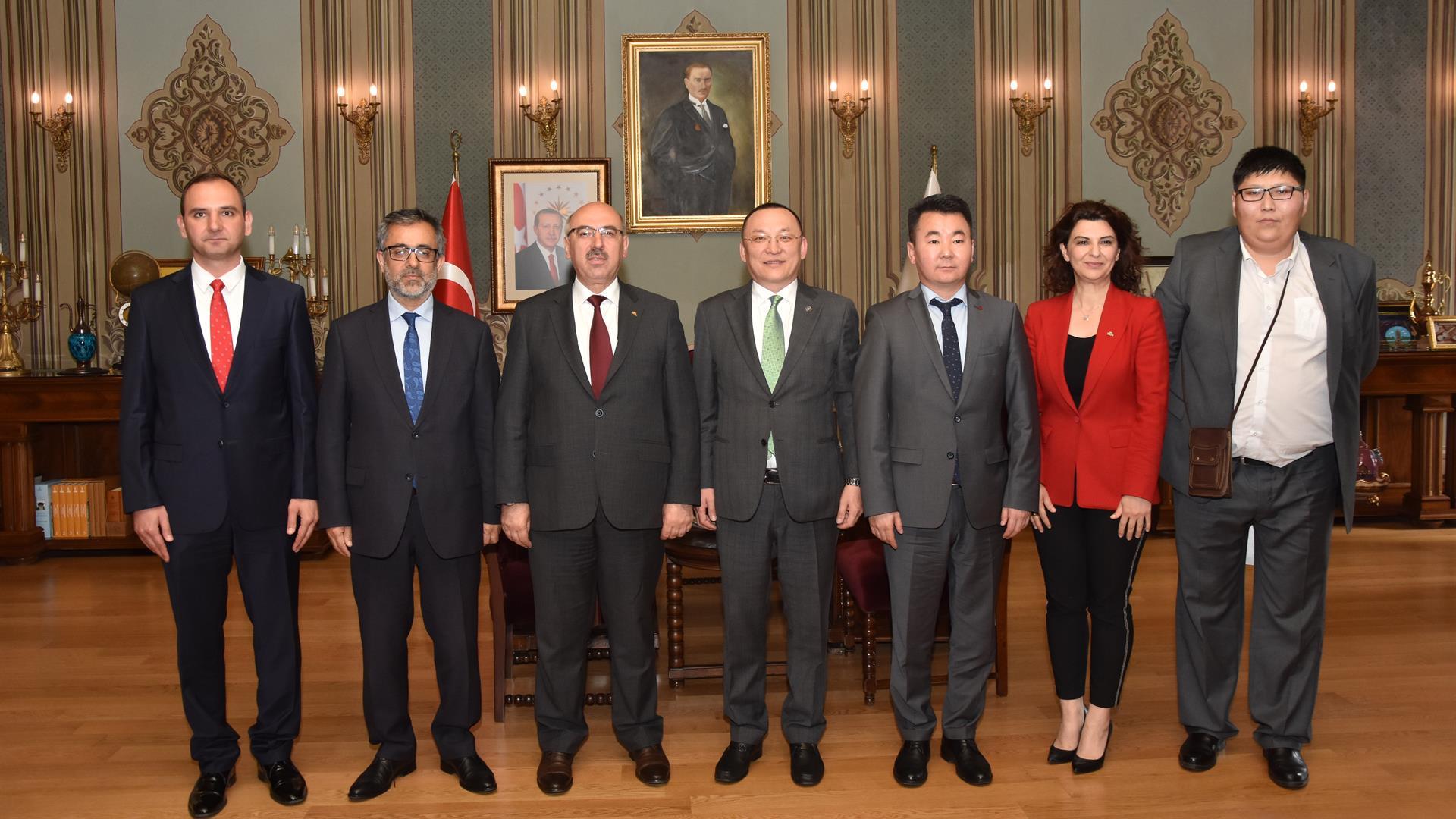 Moğolistan-Milli-Üniversitesi-Heyeti-İstanbul-Üniversitesi'ni-Ziyaret-Etti