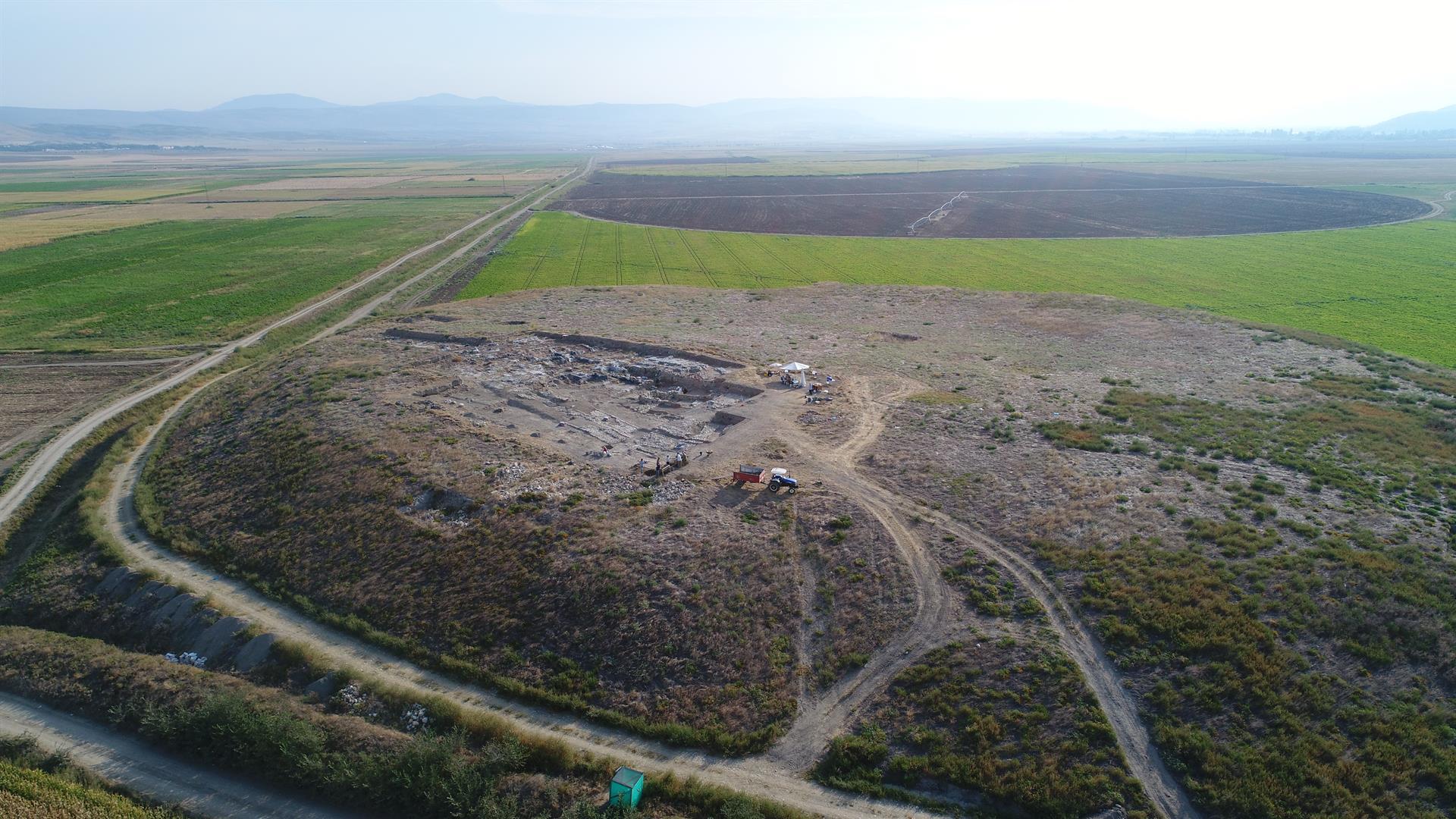 Oluz-Höyük'te-2-Bin-500-Yıllık-Pers-Sarayı-Bulundu