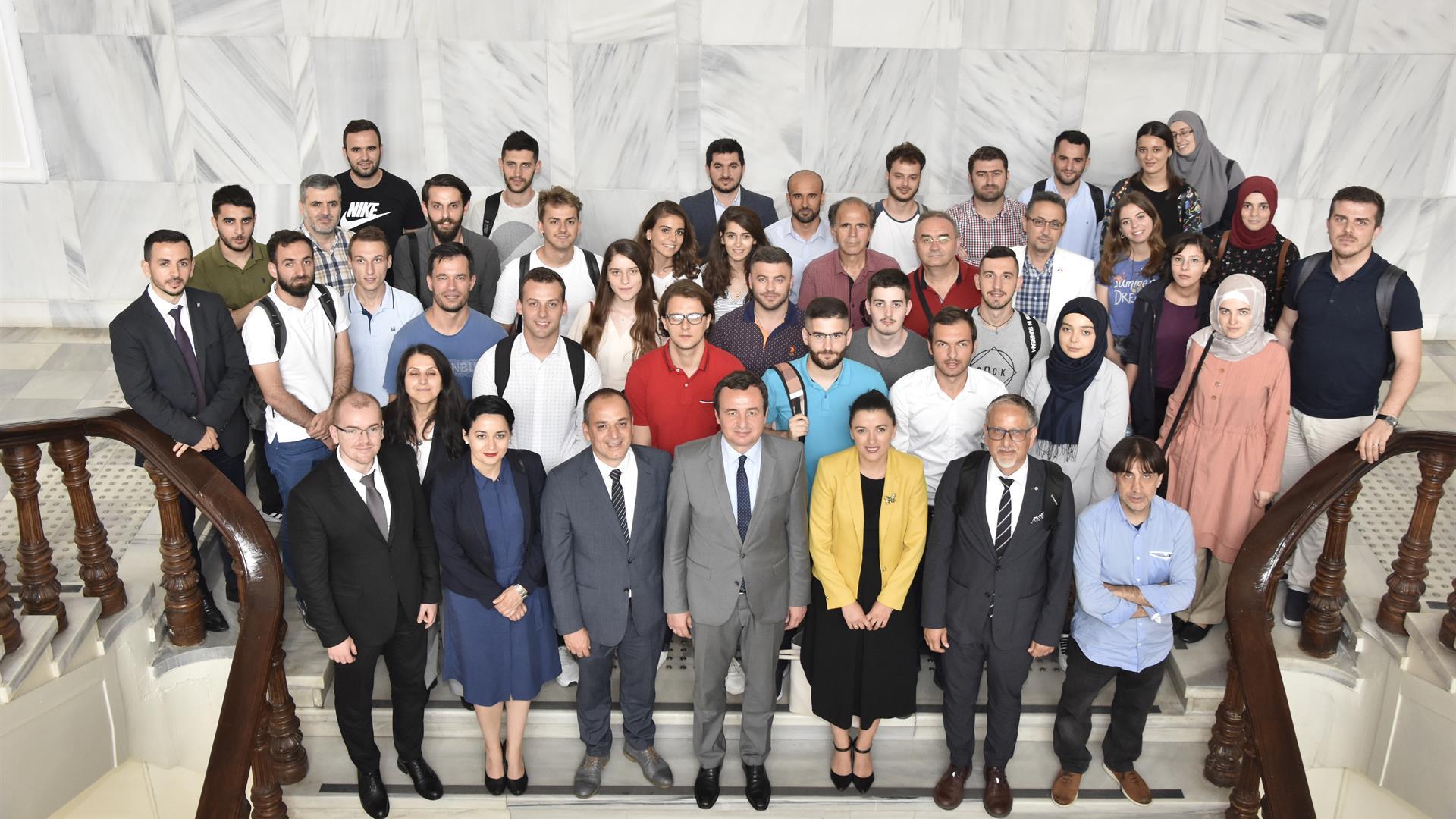 """İstanbul-Üniversitesi'nde-""""Arnavut-Öğrencilerin-'Kendin-Karar-Al-Hareketi'-Milletvekilleri-İle-İstanbul-Buluşması""""-Gerçekleştirildi"""
