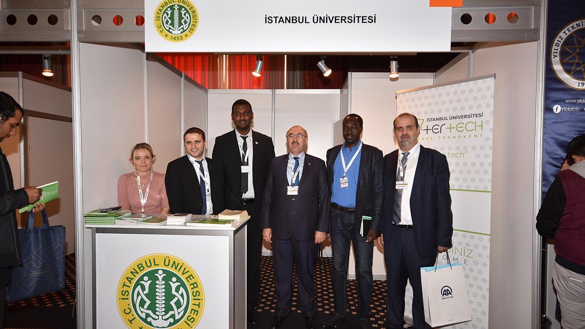 """İstanbul-Üniversitesi-""""Türkiye-Yeniden:-Mezun-Buluşması""""-Etkinliğine-Katıldı"""