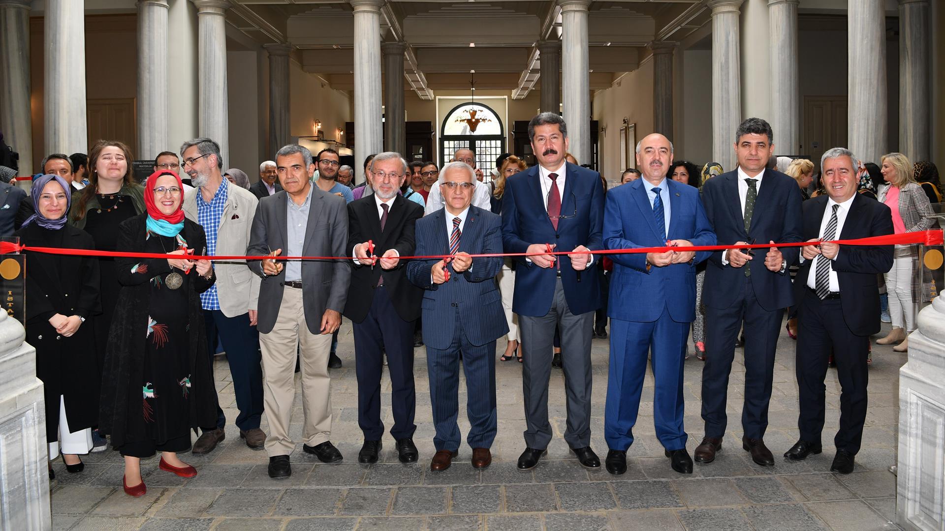 """""""Turkuaz""""-Sergisi-İstanbul-Üniversitesi'nde-Açıldı"""