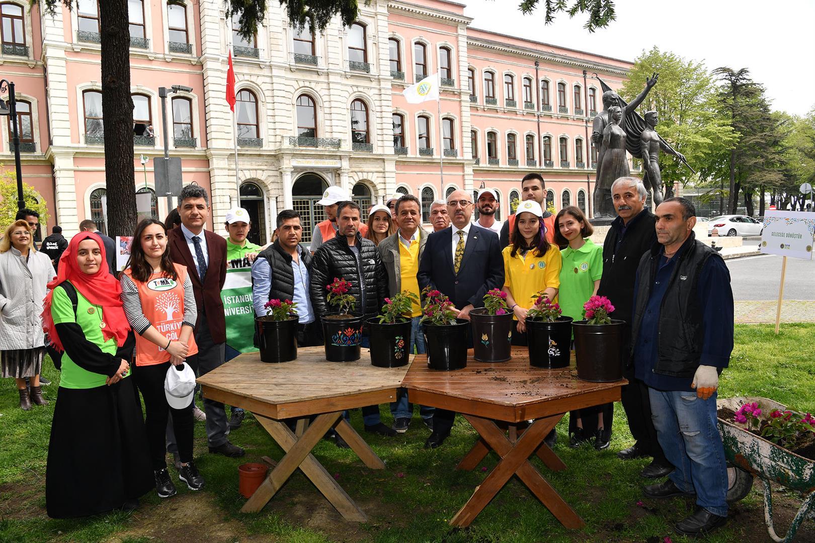 """İstanbul-Üniversitesi-""""Engelsiz-Üniversite-Çalıştayı'nda""""-3-Birimde-Bayrak-Ödülü'ne-Sahip-Oldu"""