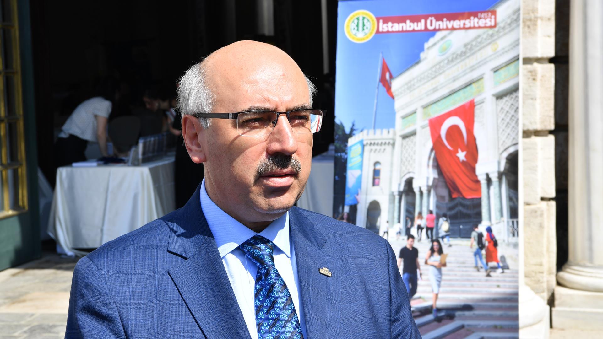 İstanbul-Üniversitesi-Rektörü-Prof.-Dr.-Mahmut-Ak-TRT'den-Aday-Öğrencilere-Seslendi