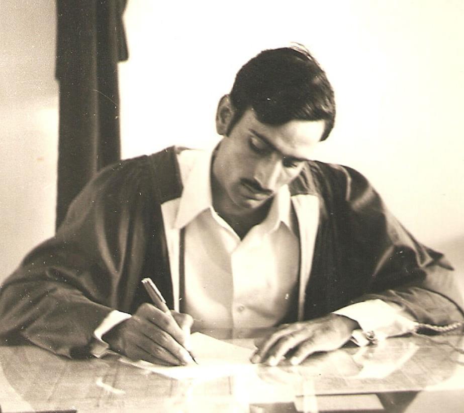 Mehcer-Edebiyatı Urdu-Dili Urduca Ashfaq-Hussain İşfak-Hüseyin Edebiyat-Fakültesi Seminer Toplantı