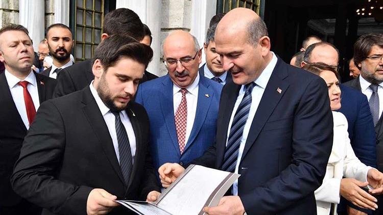 İstanbul-Üniversitesi Öğrenci-Konseyi Süleyman-Soylu Emir-Alp-Turgut İstanbul-Üniversitesi-Öğrenci-Konseyi