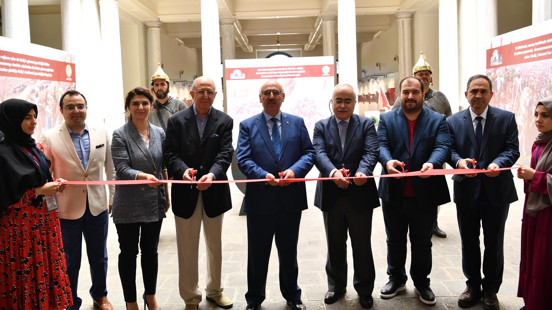 İstanbul'un-Fethi-Sergisi-İstanbul-Üniversitesi'nde-Açıldı