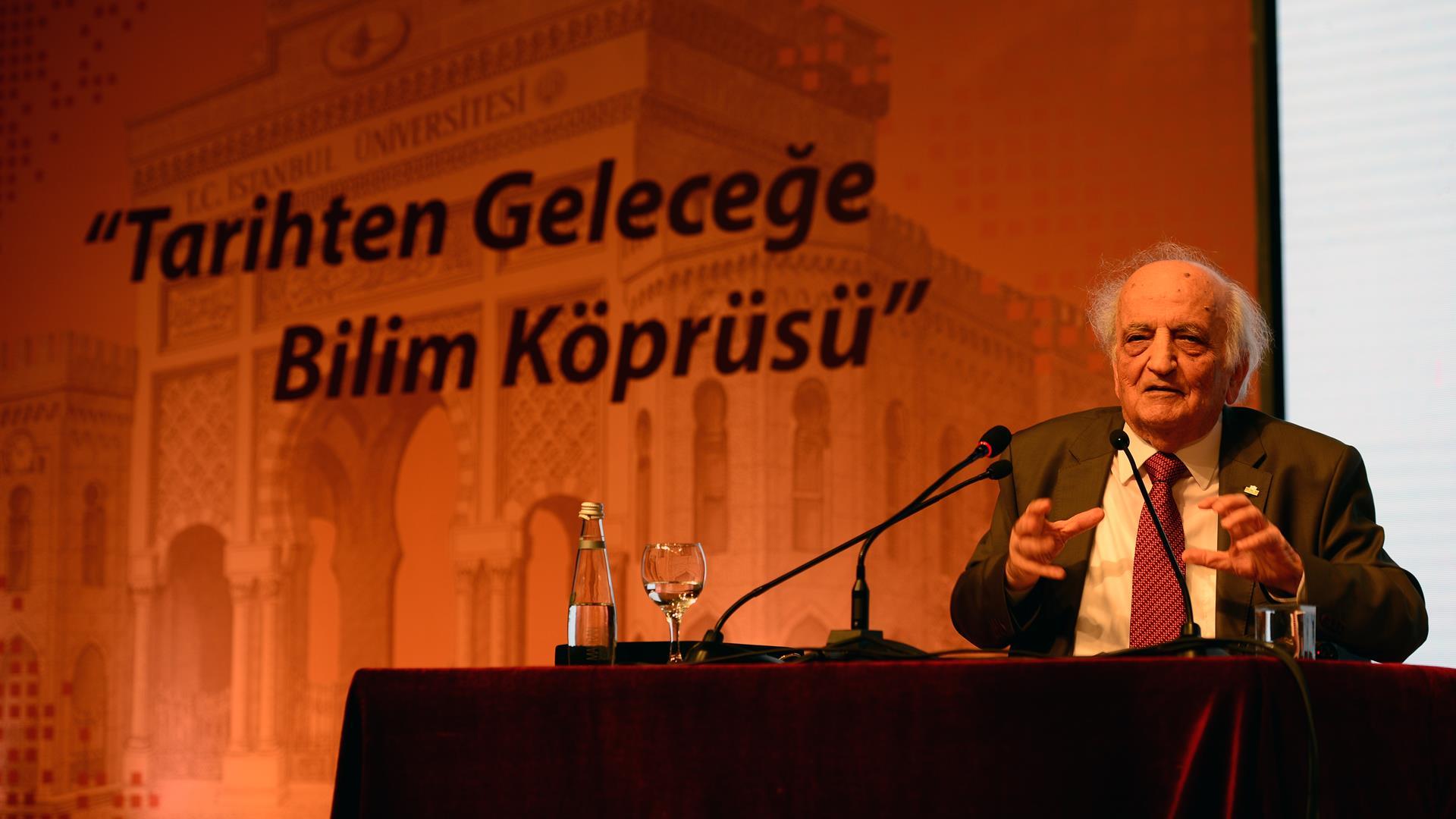İÜ-Kongre-ve-Kültür-Merkezi'ne-Prof.-Dr.-Fuat-Sezgin'in-İsmi-Verildi