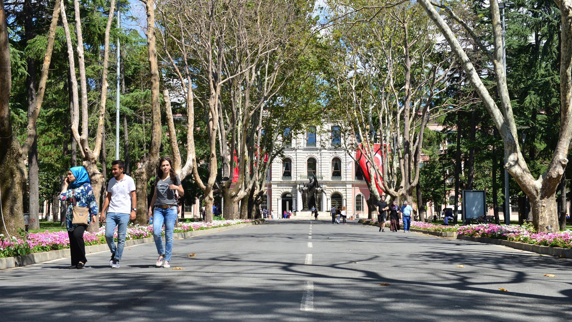 İstanbul-Üniversitesi'nde-Kontenjanların-Doluluk-Oranı-%100'ün-Üzerinde