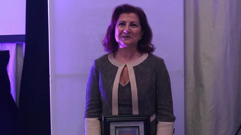 """""""Uluslararası-Onkolojide-Kadın-Lider-ve-Mentor-Ödülü""""nün-Sahibi-Prof.-Dr.-Rejin-Kebudi'ye-Ödülü-Takdim-Edildi"""