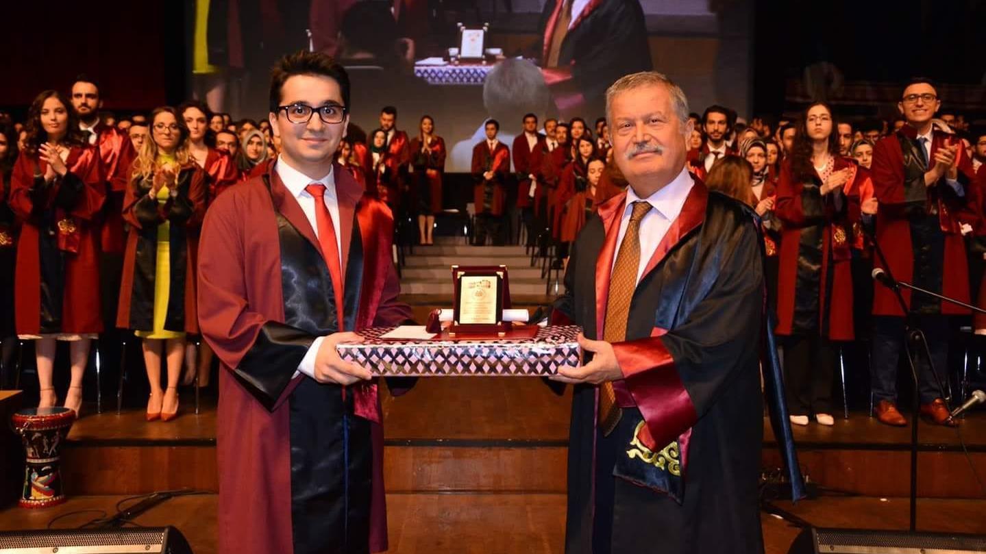 İstanbul-Tıp-Fakültesi-Dönem-Birincisi-Hüseyin-Can-Yücel-TUS-Birincisi-Oldu