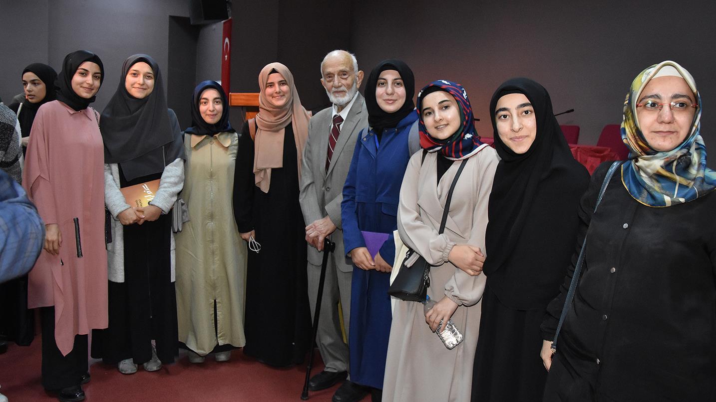 Prof.-Dr.-Fuat-Sezgin-Konferanslarının-2.'si-İstanbul-Üniversitesi'nde-Gerçekleştirildi