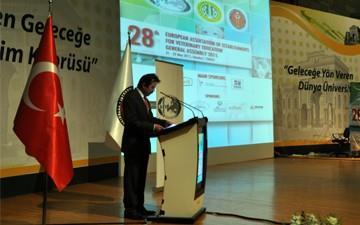 """{""""Header"""":""""28. Generalversammlung von EAEVE zwischen 21-22 Mai 2015 wurde an der Fakultät für Veterinärmedizin der Universität Istanbul in der Türkei stattgefunden"""",""""Content"""":""""<p>&nbsp;&nbsp;&nbsp;Über 190 Gäste, die Dekanen und Mitglieder von Veterinärmedizinischen Fakultäten der Mitgliedstaaten der europäischen Union und der Beitrittsländer, Direktoren der Europäischen Föderation der Tierärzte, Dekane und Vertretungen der Veterinärmedizinischen Fakultät in anderen Ländern auf dem europäischen Kontinent, Vertretungen von Veterinärmedizinischen Fakultäten in Japan und den Vereinigten Staaten, ein Mitgilied der Welt-Veterinär-Students-Association (IVSA), Dekanen und Prodekanen von allen Veterinärmedizinischen Fakultäten in der Türkei waren, wurde an der Generalversammlung teilgenommen.<br><br></p>"""",""""Link"""":null,""""IsBlank"""":false,""""Img"""":""""OpXIspGsHUq2KlwjWOD6PA"""",""""Gallery"""":null,""""Date"""":""""2015-03-22T23:00:00"""",""""Tag"""":[],""""Tags"""":"""""""",""""Title1"""":null,""""Title2"""":null,""""Title3"""":null,""""Titles"""":null,""""IsPublic"""":false,""""Author"""":null,""""PriorityOrder"""":null,""""IsPublish"""":false,""""IsIUadmin"""":false,""""IsViewerWholePublisher"""":false,""""IsAmfi"""":false,""""Route"""":""""28-generalversammlung-von-eaeve-zwischen-21-22-mai-2015-wurde-an-der-fakultat-fu-460043002D0054006D0059005F0055004E006B004D003100"""",""""PreviewRoute"""":""""28-generalversammlung-von-eaeve-zwischen-21-22-mai-2015-wurde-an-der-fakultat-fu-637533317475590904-460043002D0054006D0059005F0055004E006B004D003100"""",""""Keywords"""":"""""""",""""EID"""":""""460043002D0054006D0059005F0055004E006B004D003100"""",""""CreatedUser"""":"""""""",""""ModifiedUser"""":"""""""",""""CreatedDate"""":null,""""ModifiedDate"""":null}"""
