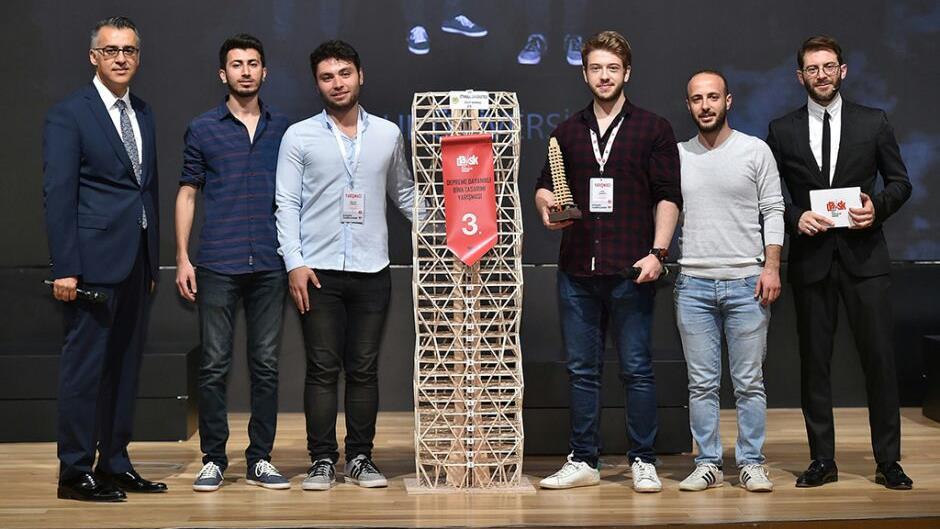 İÜ-Mühendislik-Fakültesi-Öğrencileri'nden-Depreme-Dayanıklı-Bina-Tasarımı-Yarışmasında-Üstün-Başarı