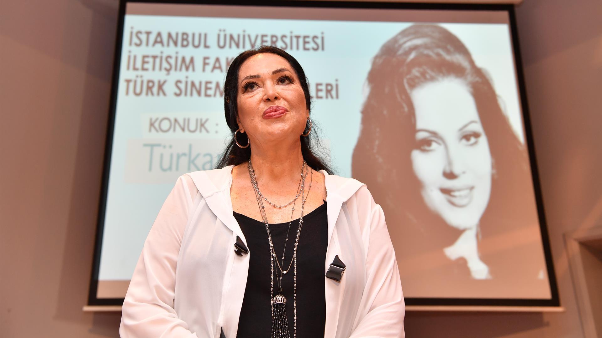 İÜ-İletişim-Fakültesi-Türk-Sineması-Günleri'ne-Türkan-Şoray-Konuk-Oldu