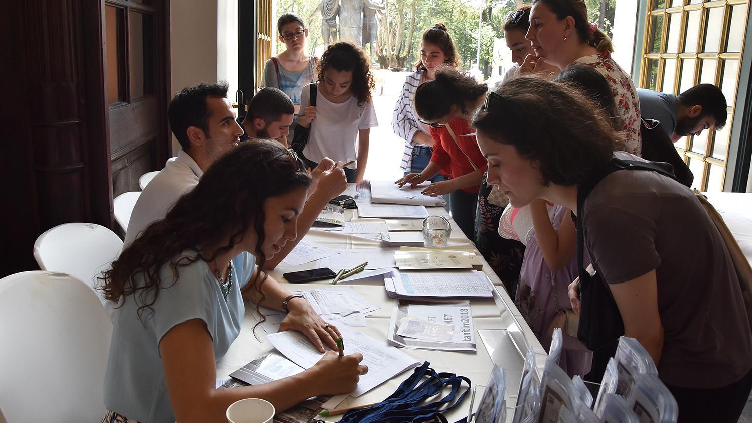 İstanbul-Üniversitesi-ve-İstanbul-Üniversitesi-Tercih-ve-Tanıtım-Günleri'nde-3.-Gün-Sona-Erdi