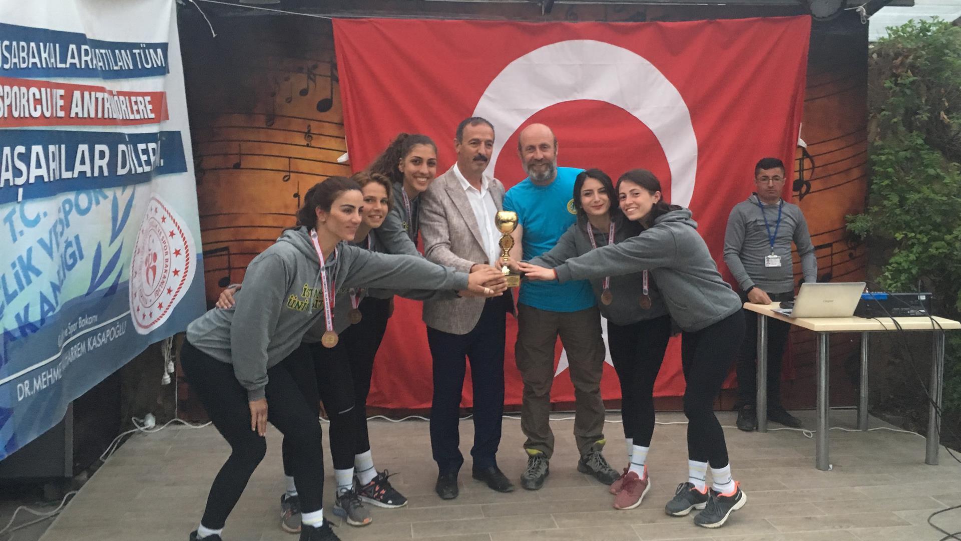 İÜ-Kadın-Rafting-Takımı-Dünya-Rafting-Şampiyonası'nda-Ülkemizi-Temsil-Edecek