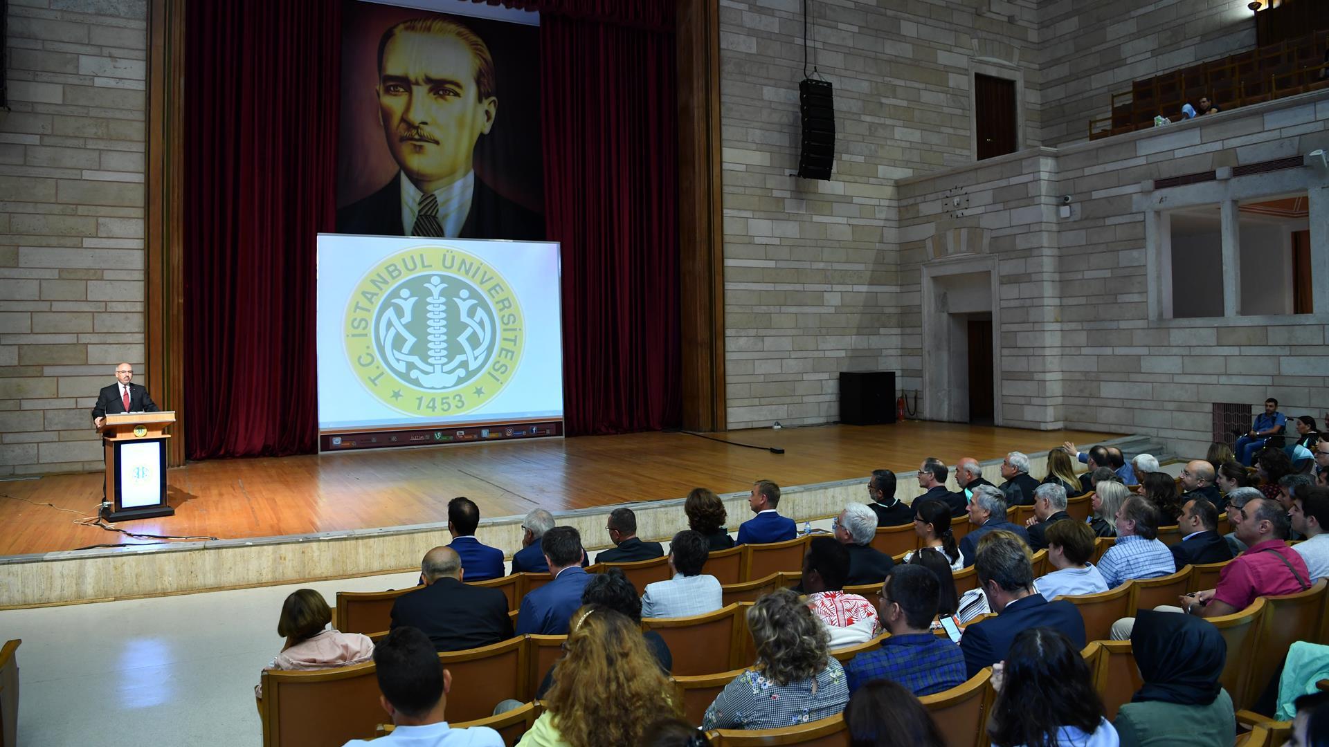 İstanbul-Üniversitesi-Edebiyat-Fakültesi-2018-2019-Akademik-Yılı-Açılış-Töreni-Gerçekleştirildi