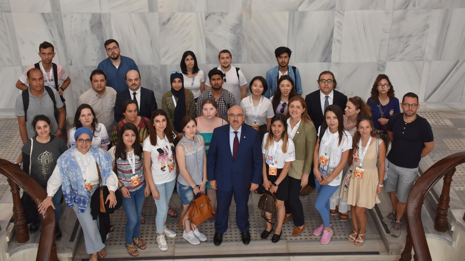 Yunus-Emre-Enstitüsü-Heyeti-İstanbul-Üniversitesi'ni-Ziyaret-Etti
