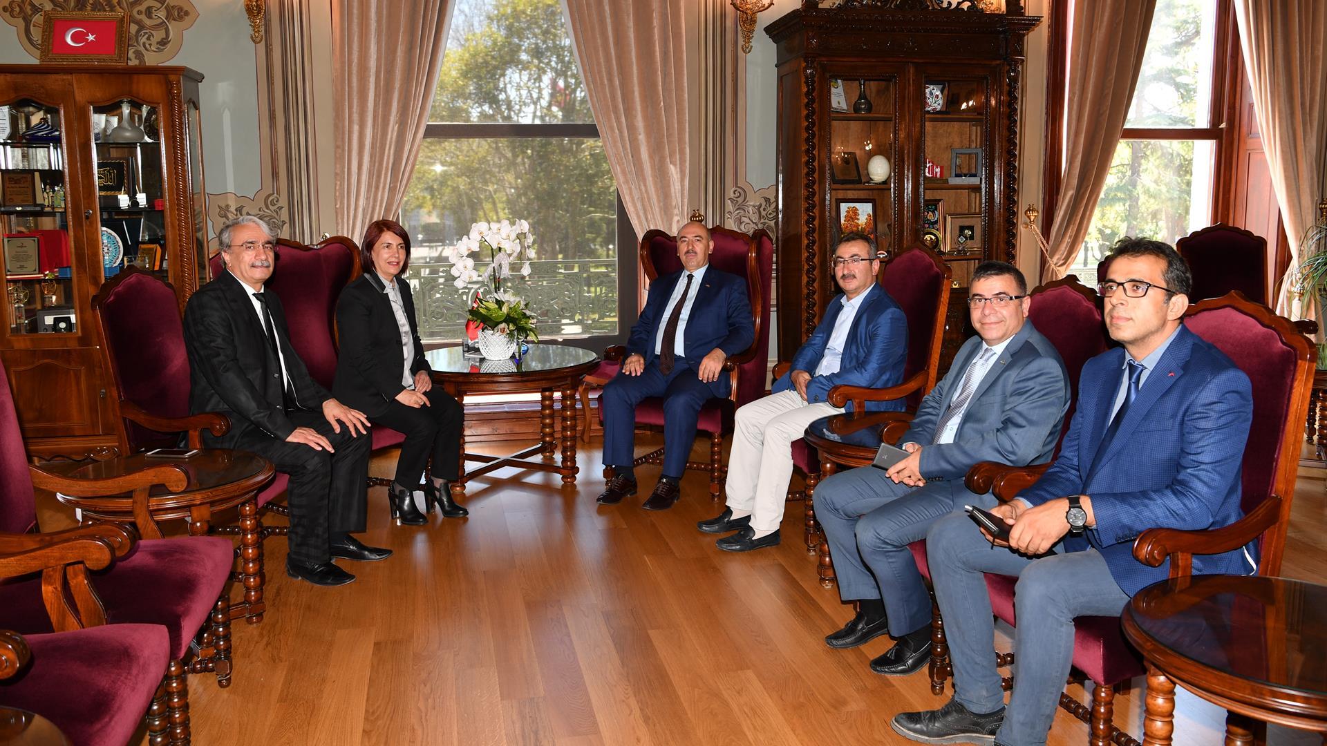 Avcılar-Belediye-Başkanı-Handan-Toprak-Benli-İstanbul-Üniversitesi'ni-Ziyaret-Etti