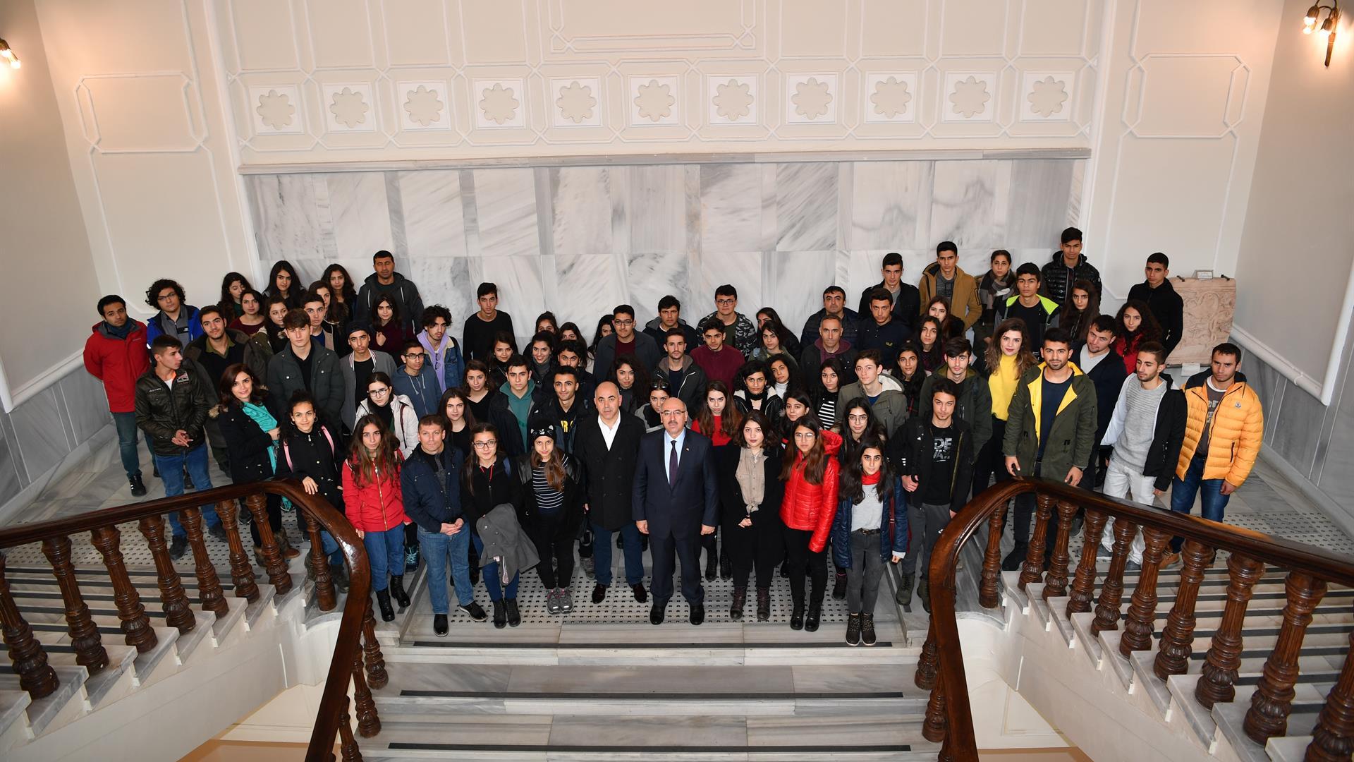 Tunceli'de-Eğitim-Gören-Öğrenciler--İstanbul-Üniversitesi'ni-Ziyaret-Etmeye-Devam-Ediyor