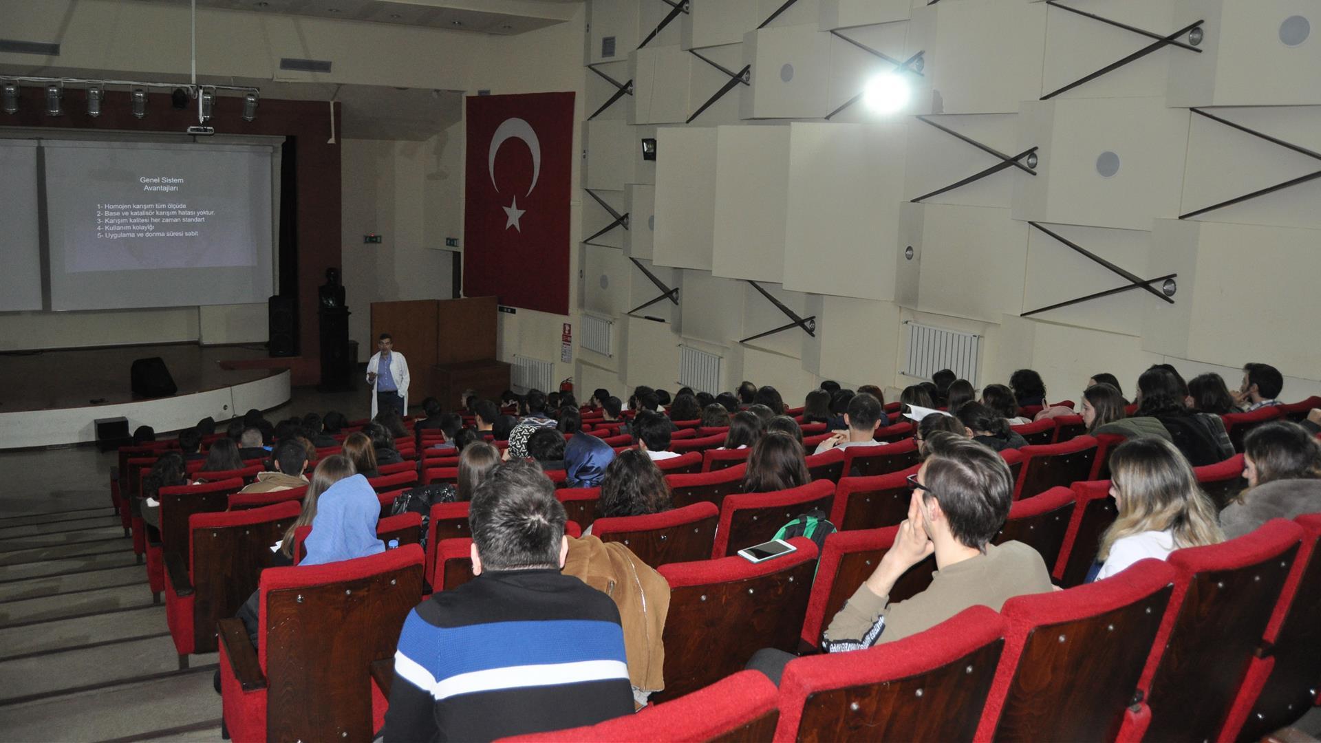 İÜ-Diş-Hekimliği-Fakültesi-5.-Sınıf-Seminer-Haftası-Başarıyla-Sona-Erdi