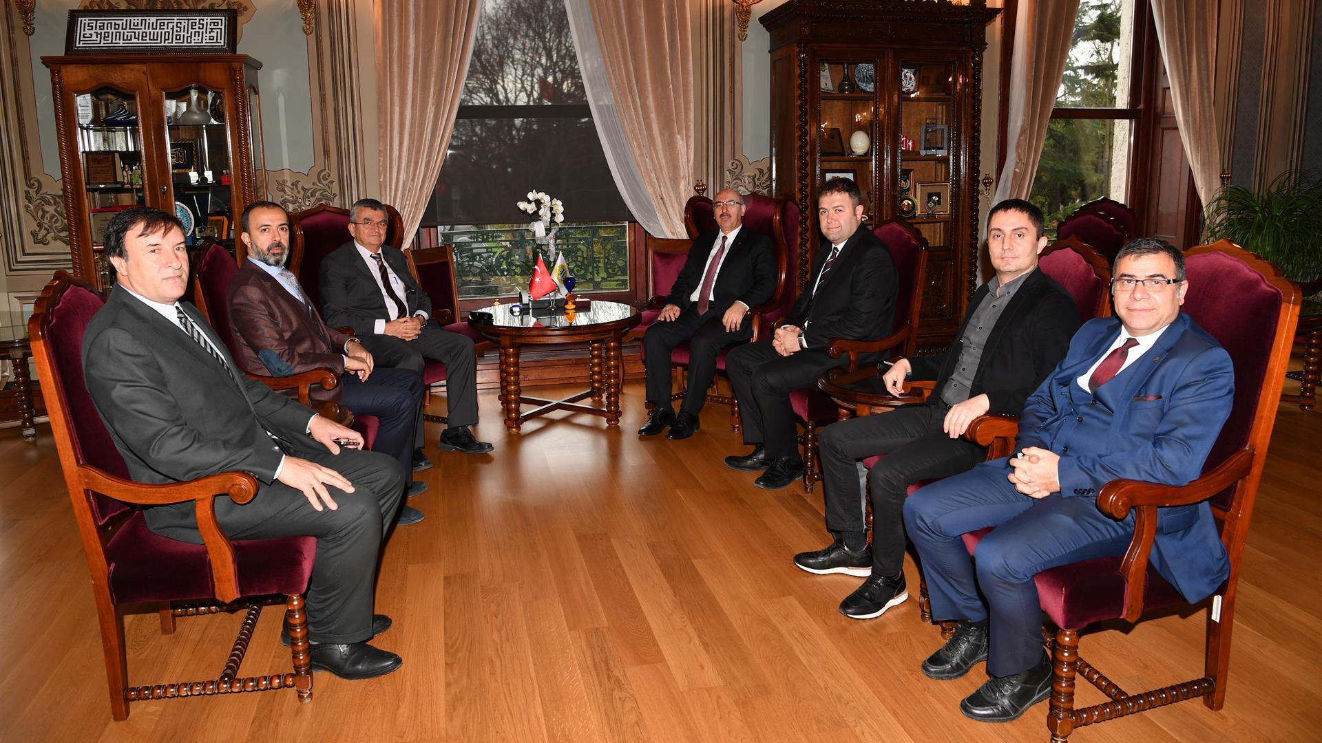 İFMED-Başkanı-Mehmet-İlker-Birgan-İstanbul-Üniversitesi'ni-Ziyaret-Etti
