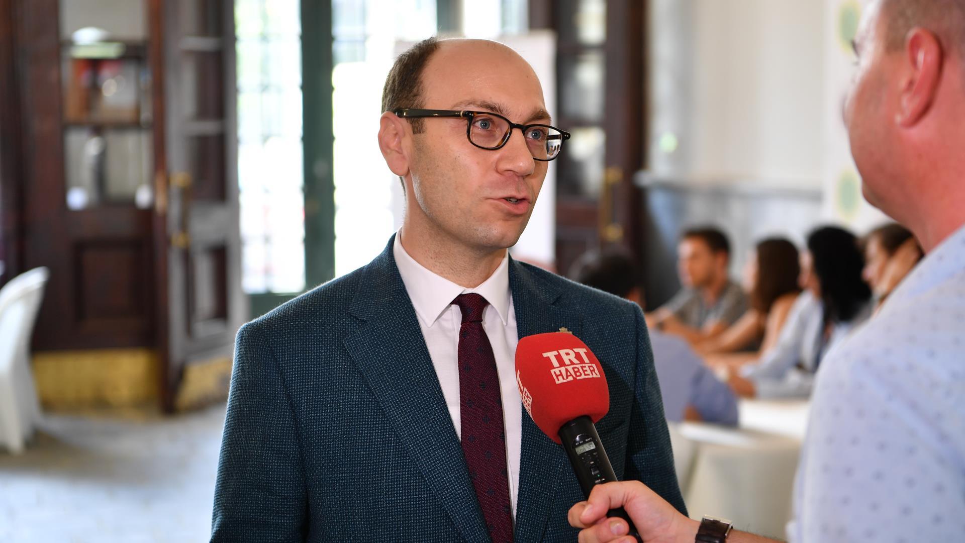İstanbul-Üniversitesi-Cerrahpaşa-Rektörü-Prof.-Dr.-Nuri-Aydın-TRT'den-Aday-Öğrencilere-Seslendi