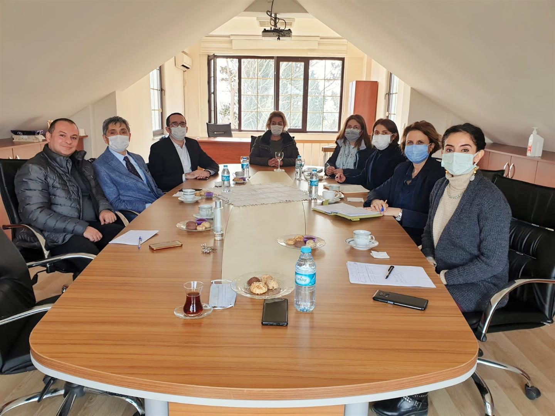 """{""""Header"""":""""İBB Veteriner Hizmetleri ve İ.Ü.C. Veterinerlik Meslek Yüksekokulu İşbirliği Toplantısı"""",""""Content"""":""""<p>İstanbul B&uuml;y&uuml;kşehir Belediyesi Veteriner Hizmetleri M&uuml;d&uuml;r&uuml; Sayın Muhammet Nuri Coşkun ve Veteriner Hekim Erhan &Ouml;nel&#39;in katılımıyla İ.&Uuml;.C. Veterinerlik Meslek Y&uuml;ksekokulunun Eğitim, Proje ve İşbirlikleri hakkında bir g&ouml;r&uuml;şme ger&ccedil;ekleştirildi.</p>\n\n<p>Katılım ve desteklerinden dolayı kendilerine teşekk&uuml;r ederiz.</p>\n"""",""""Link"""":null,""""IsBlank"""":false,""""Img"""":""""tjJ9s_R8b0OAZalE5FxFqQ"""",""""Gallery"""":null,""""Date"""":""""2021-03-17T00:00:00"""",""""Tag"""":[],""""Tags"""":"""""""",""""Title1"""":null,""""Title2"""":null,""""Title3"""":null,""""Titles"""":null,""""IsPublic"""":false,""""Author"""":null,""""PriorityOrder"""":null,""""IsPublish"""":false,""""IsIUadmin"""":false,""""IsViewerWholePublisher"""":false,""""IsAmfi"""":false,""""Route"""":""""ibb-veteriner-hizmetleri-ve-i-u-c-veterinerlik-meslek-yuksekokulu-isbirligi-topl-390052002D005800750061007700620061004300500039007900700046006200610041004F003200370077003200"""",""""PreviewRoute"""":""""ibb-veteriner-hizmetleri-ve-i-u-c-veterinerlik-meslek-yuksekokulu-isbirligi-topl-637545909118899145-390052002D005800750061007700620061004300500039007900700046006200610041004F003200370077003200"""",""""Keywords"""":"""""""",""""EID"""":""""390052002D005800750061007700620061004300500039007900700046006200610041004F003200370077003200"""",""""CreatedUser"""":"""""""",""""ModifiedUser"""":"""""""",""""CreatedDate"""":null,""""ModifiedDate"""":null}"""
