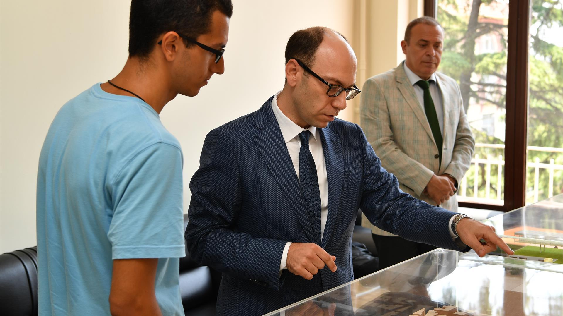 YKS-Birincisi-İstanbul-Üniversitesi-Cerrahpaşa'yı-Ziyaret-Etti