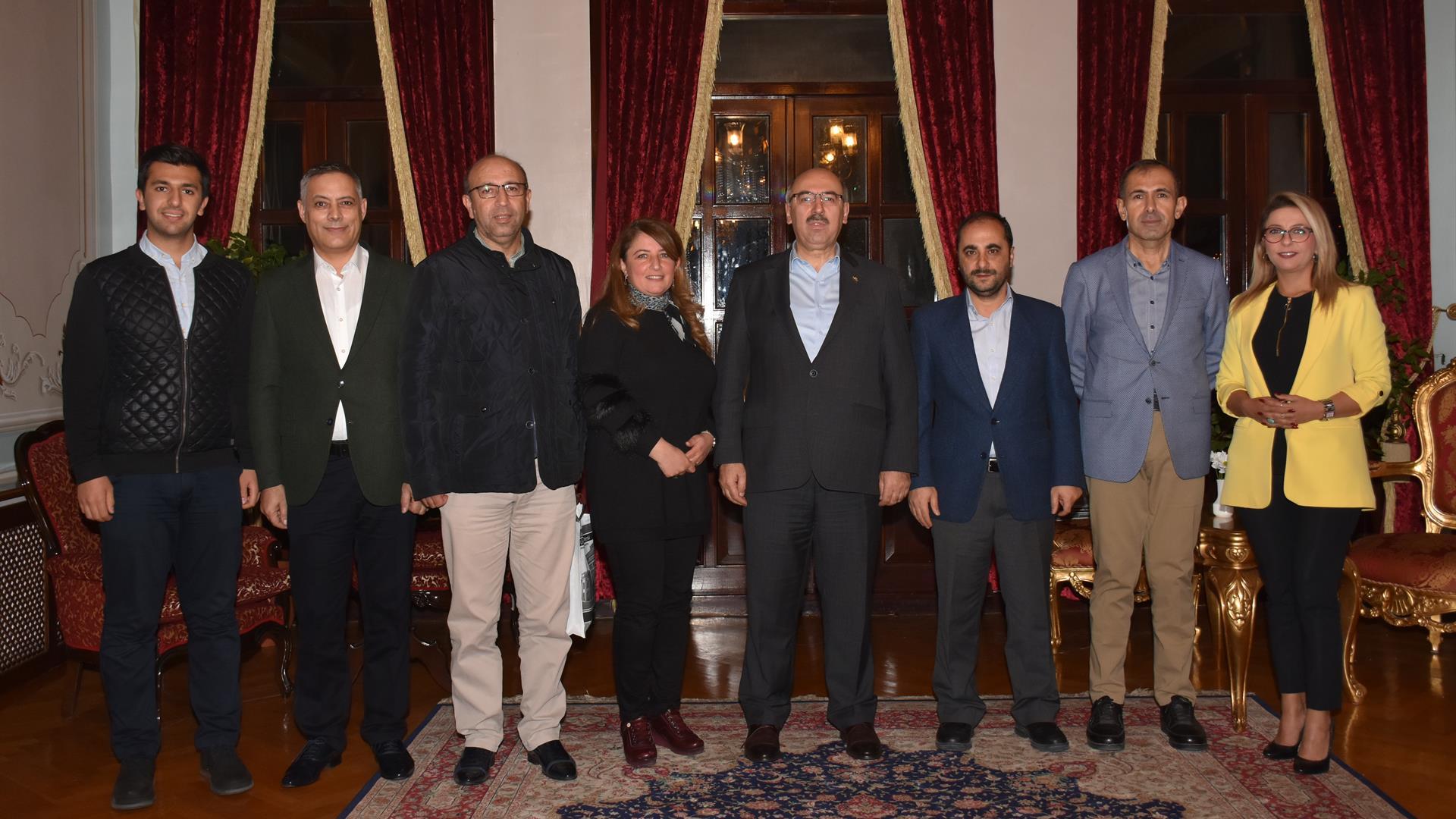 İÜ-Rektörü-Prof.-Dr.-Mahmut-Ak'ın-Başkanlığında-YÖK-Kalite-Kurul-Toplantısı--Gerçekleştirildi