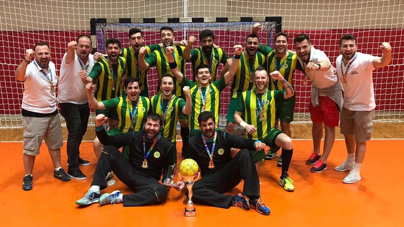 İÜ-Hentbol-Takımı-16.-Türkiye-Koç-Spor-Fest-Üniversite-Oyunları'nda-Şampiyon-Oldu