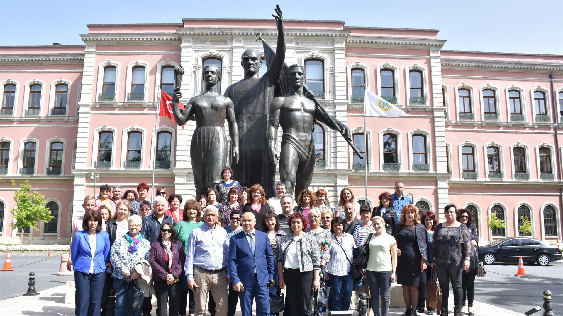 Bulgaristan-Heyeti-İstanbul-Üniversitesi'ni-Ziyaret-Etti