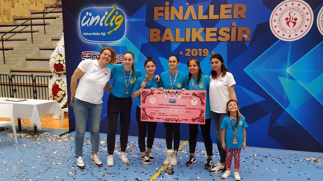 İÜ-Kadın-Basketbol-Takımı-Ünilig-Şampiyonası'nda-Türkiye-Şampiyonu-Oldu