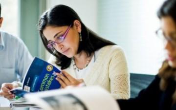 İÜ Eczacılık Fakültesi Genişletilmiş Eğitim Programını hazırlamak için eğitimlere başladı