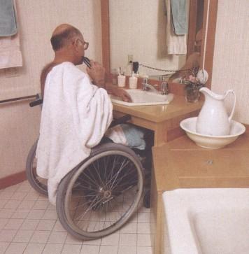 Tekerlekli sandalye traş