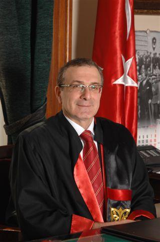 Dekan Prof. Dr. Adem Sözüer