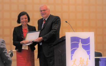 """Prof. Dr. Feyza DARENDELİLER """"European Society for Pediatric Endocrinology (ESPE)"""" Ödülü"""